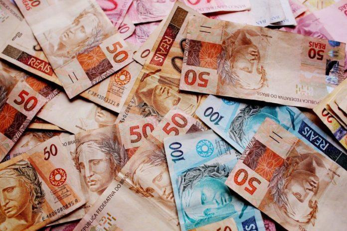 3 dicas para economizar dinheiro sem sair de casa durante a quarentena